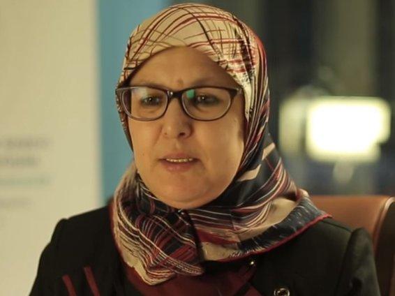 دة. وفاء توفيق   المرأة المسلمة تجمع بين تربية الأجيال والمشاركة في بناء الأمة